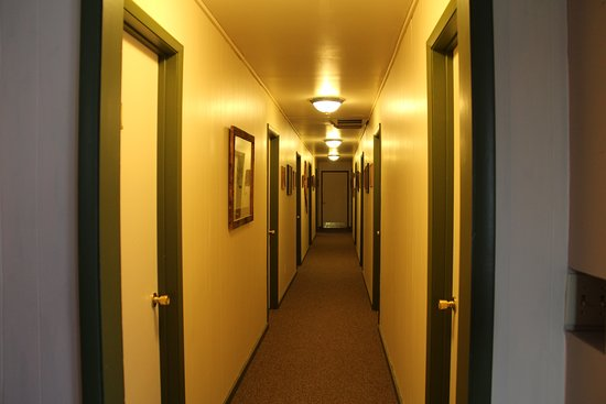 Eagleville, Kalifornien: Hallway to rooms