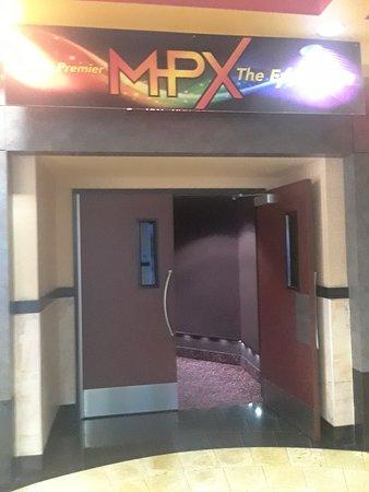 Maya Cinema Bakersfield 16