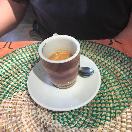 Ona, Spain: Ayer fuimos a Aguas Cándidas a la feria de las cerezas de caderecha y fuimos a comer al R Blanco