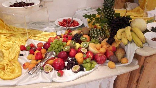 Schones Obst Picture Of Mirabell Dolomiten Wellness Hotel