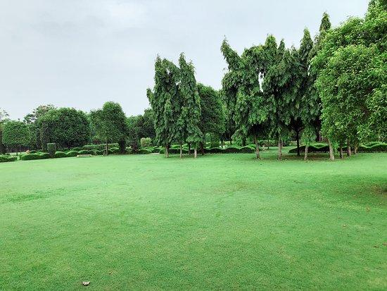 The Gateway Resort Damdama Lake Gurgaon: Green Area