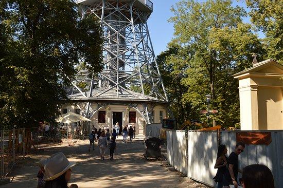 Petřín: Prístup k veži
