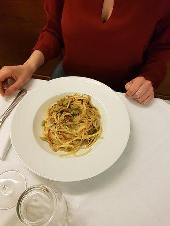 Cantalupo nel Sannio, Italien: 20180424_214828_large.jpg