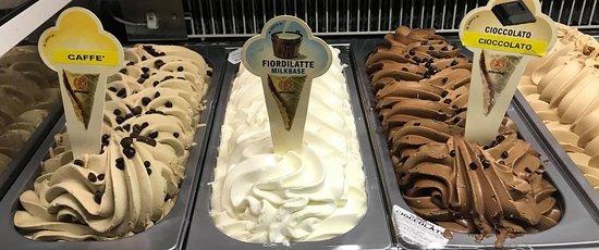 Casteldaccia, Italy: Il nostro ottimo gelato artigianale