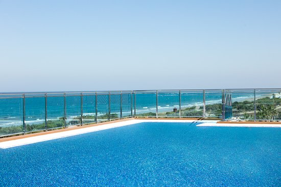 piscina infinity terraza premium - bild von hotel best costa ballena