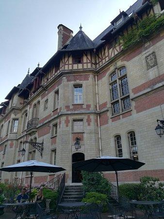 Gouvieux, Frankreich: IMG_20180713_184115_large.jpg