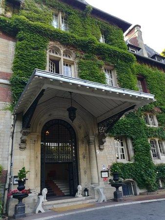 Gouvieux, Frankreich: IMG_20180713_184106_large.jpg