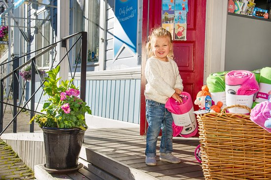 West-Finnland, Finnland: Moomin Shop at old town of Naantali