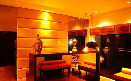 O2 Spa, Le-Poshe Hotel
