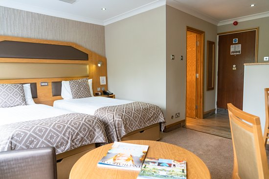 Fairlawns Hotel And Spa: Superior Room