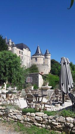Verteuil-sur-Charente, France: 20180711_112422_large.jpg