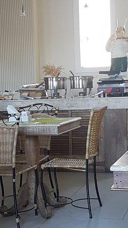 Hotel Don Quijote: 20180714_081021_large.jpg