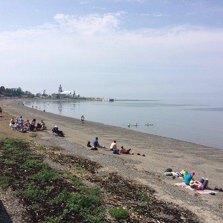 Sainte-Luce-sur-Mer, Canada: Bel endroit pour profiter du fleuve
