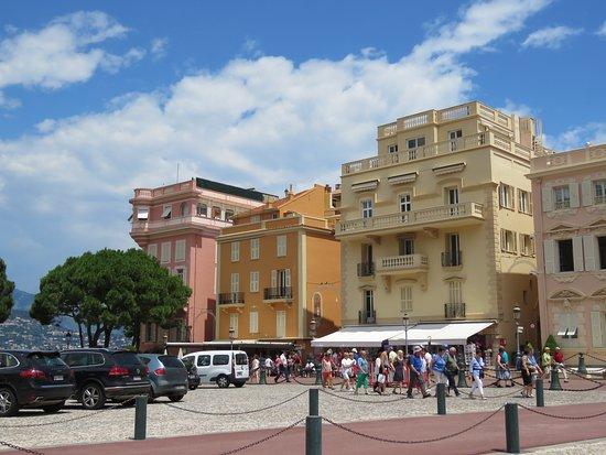 Place du Palais: The Square