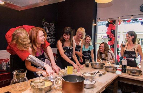 Cooking Studio Igra Stolov