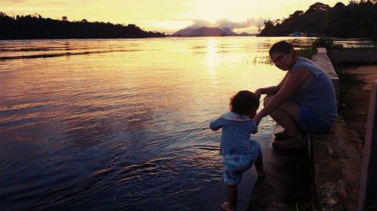 Sao Gabriel da Cachoeira, AM: Uma das praias que se formam na baixa do Rio Negro, fica no bar do do Luizinho