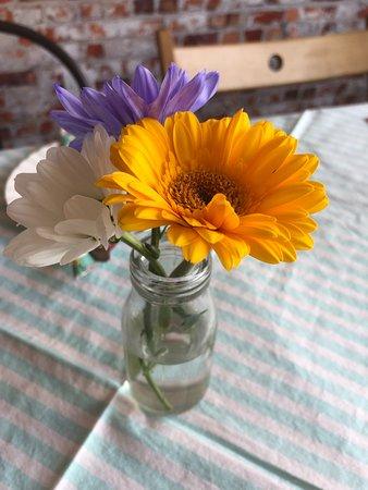 Sileby, UK: Fresh flowers