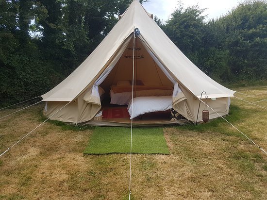 Tregavone Touring Park: Loved the bells tents. So big with real mattresses . Can fit a family with a few beds.