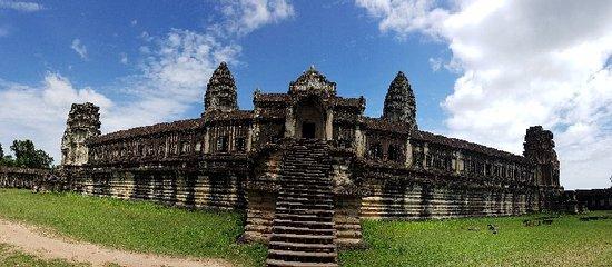 Angkor Wat: 20180611_102448_large.jpg
