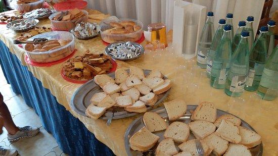 Hotel Marrani: Kahvaltı
