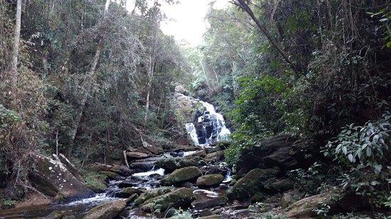 Aiuruoca, MG: cachoeira
