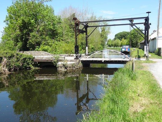 The Barrow Way: Lifting bridge at Levitstown.