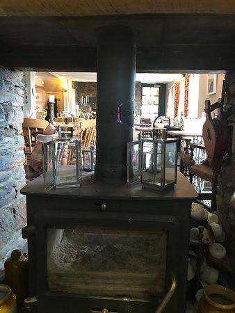 Duloe, UK: Past the burner into the next room.