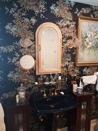 Highland Falls, NY: Charming bathroom in Emily's room.