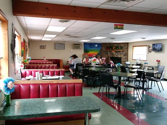 Elizabethtown, Pensilvania: Bright, Cheery and Very Clean Booth & Table Seating Options!