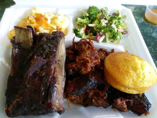 Elizabethtown, Pensilvania: The Platters To Go Offer A LOT Of Flavor For Your Buck!