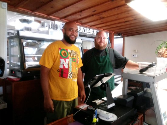Elizabethtown, Pensilvania: Super Sweet Guys Who Know Their BBQ! Quintin and Wes, Thanks For A GREAT Dining Experience!!