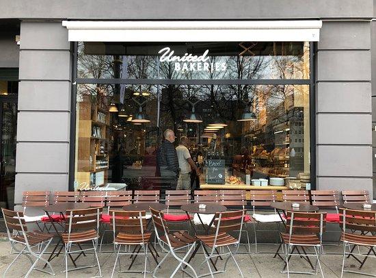 United Bakeries: La façade