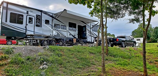 Lenoir City, TN: Yarberry Campground - Site 85 - Ample Space