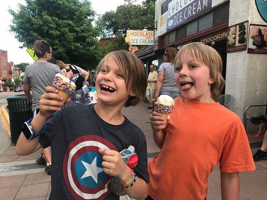 Pikes Peak Chocolate and Ice Cream: Joy of Ice Cream outside Pikes Peak Chocolate