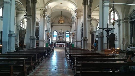 Isola di Burano: san martino church