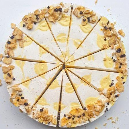 Cheesy Cakes (Cheesecake Shop): Banana curd cheesecake