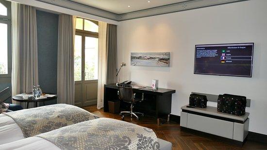 Hotel Royal Savoy Lausanne: Chambre