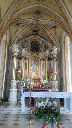 Minor Basilica of the Presentation of the Blessed Virgin Mary: Вид от главного входа