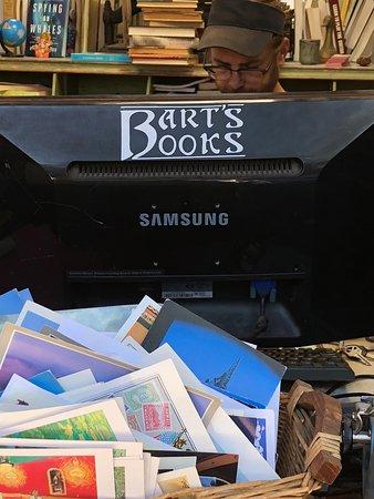 Ojai, Калифорния: Bart's Books