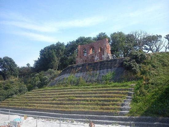 Trzesacz, Πολωνία: ruiny kościoła