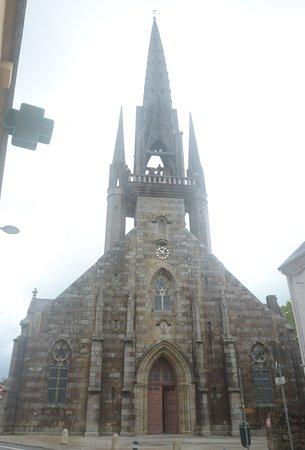 Les 7 calvaires monumentaux de Bretagne: la chiesa da fuori