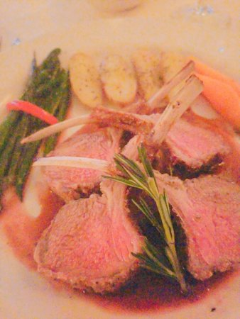 Youngtown Inn and Restaurant: rack of lamb with fingerling potatoes and harciot verts