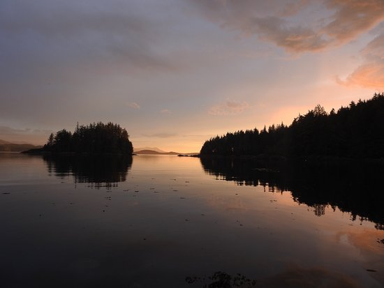 Heriot Bay, Canadá: Sundown in Broughton Archipelago