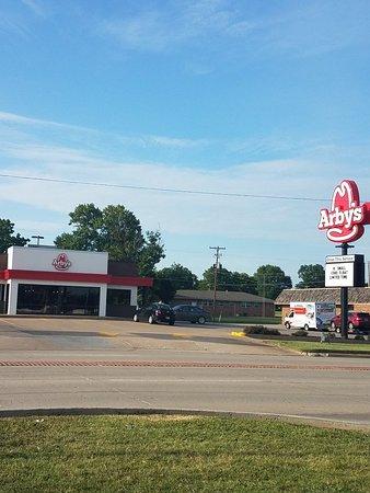 Henryetta, Оклахома: Arby's
