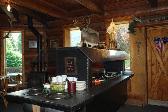 Fiest Creek Restaurant: salad bar