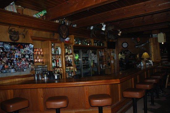 Fiest Creek Restaurant: bar