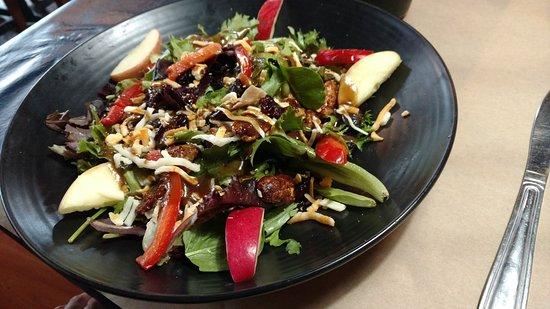 Chicken Apple Pecan Harvest Salad Picture Of Montana S Bbq
