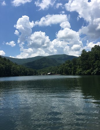 Vogel State Park: View from Lake