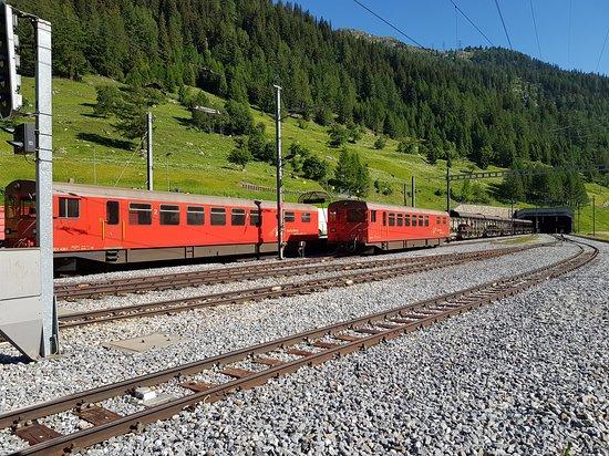 Oberwald, Schweiz: Just before the tunnel