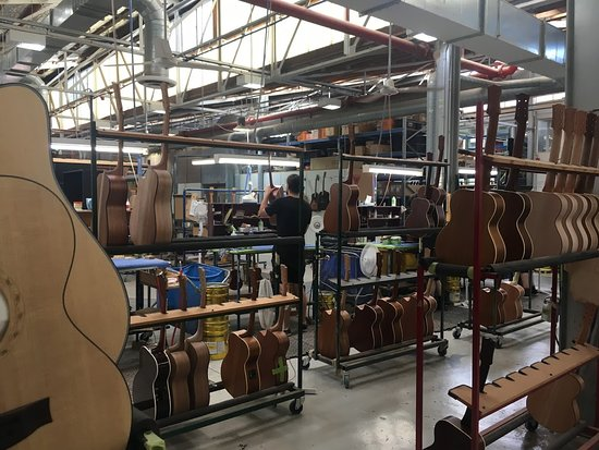 ‪Maton Guitars‬